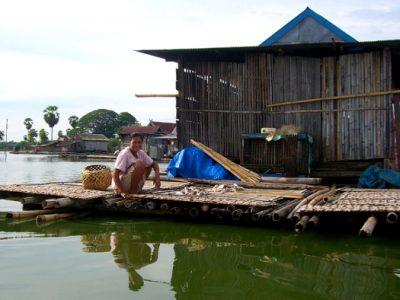 Fishermen_life_in_Lake_Tempe600x394