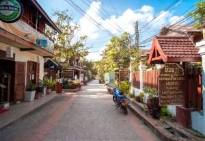 Laos_Luang Prabang Asia Talk