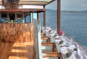 Luxury culinary cruise